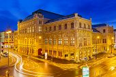 picture of neo-classic  - State Opera House in Vienna - JPG