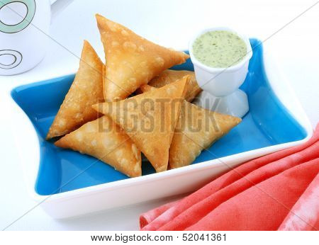 Samosa in Stylish dish