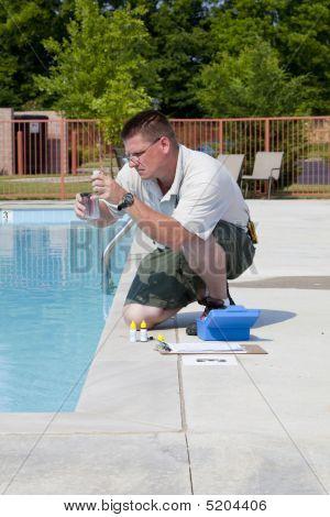 Testes químicos de piscina activa