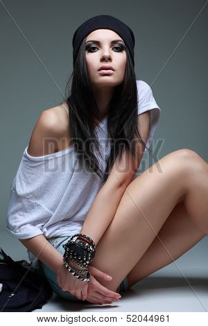 A photo of beautiful girl is in style of R&B, glamour