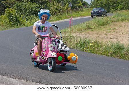 Funny Vespa Sidecar
