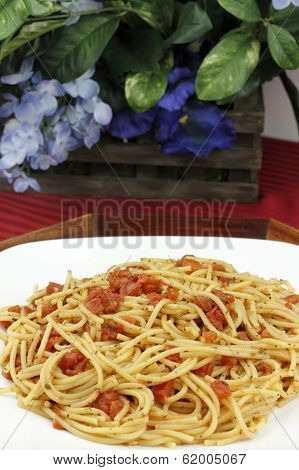 Spaghetti With Tomatoes And Flowers