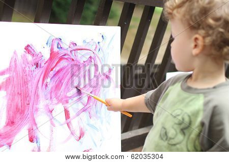 Child, Toddler Fingerpainting