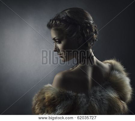 Woman Beauty In Luxury Fox Fur Coat, Beautiful Girl Retro Vintage Style