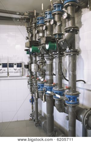 heat equipment with pressure indicator on natural gas