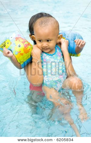 Baby Learn To Swim