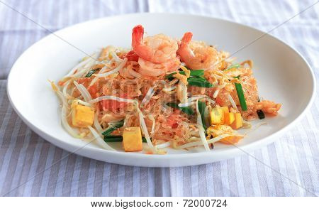 Stir Fried Glass Noodle With Fresh Prawn And Tofu - Thai Food