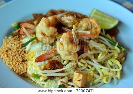Prawn Pad-thai, The Famous  Food In Thailand