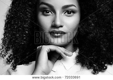 Closeup Bw Portrait Of A Latin Woman