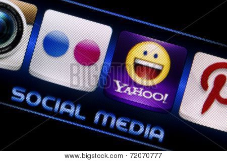 Belgrade - September 09, 2014 Social Media Icons Flickr And Yahoo On Smart Phone Screen Close Up