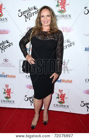LOS ANGELES - SEP 13:  Catherine Bach at the 2014 Brent Shapiro Foundation Summer Spectacular at Private Residence on September 13, 2014 in Beverly Hills, CA