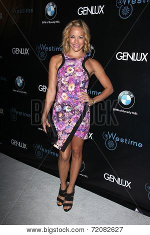 LOS ANGELES - SEP 14:  Amy Paffrath at the Genlux Rodeo Drive Festival of Watches and Jewelry at Rodeo Drive on September 14, 2014 in Beverly Hills, CA