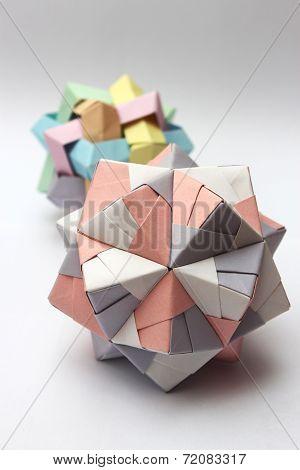 Modular Origami Balls