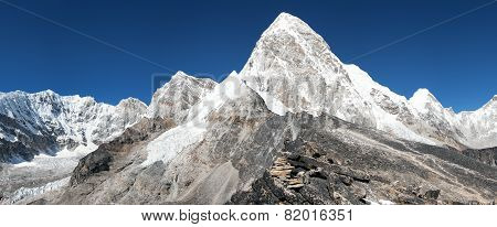 View Of Mount Pumo Ri And Kala Patthar - Way To Everest View Of Mount Pumo Ri And Kala Patthar