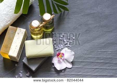 Cosmetics for body care and spa