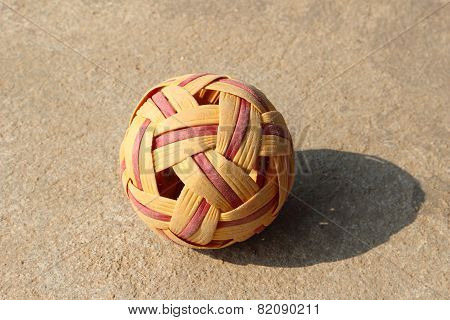 Rattan Ball Ball In Daylight