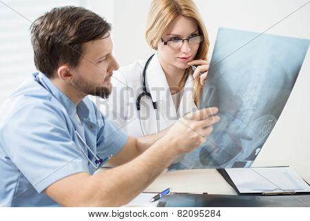 Doctors Consulting X-ray