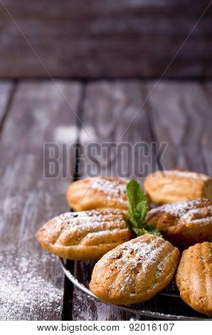 Madeleine Cookies With Cinnamon