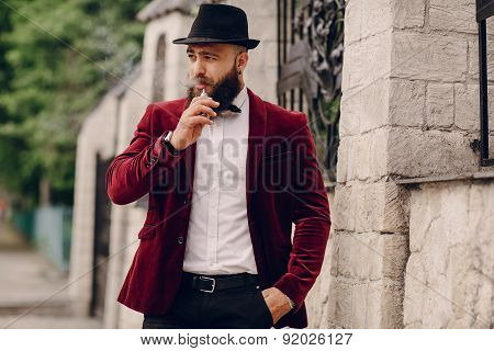 Rich Man Vaping