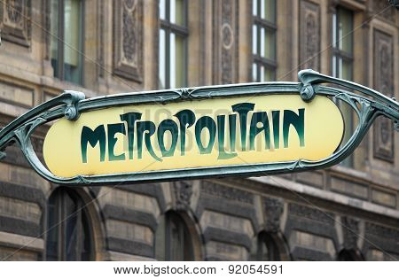 Metropolitain Sign in Paris