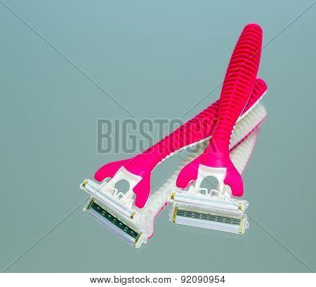 Instrument For Shaving
