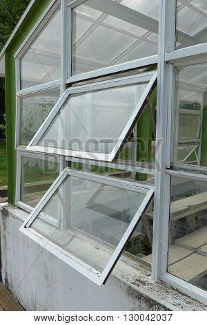 The closeup view of greenhouse framework at park