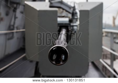 a tip army muzzle of military guns
