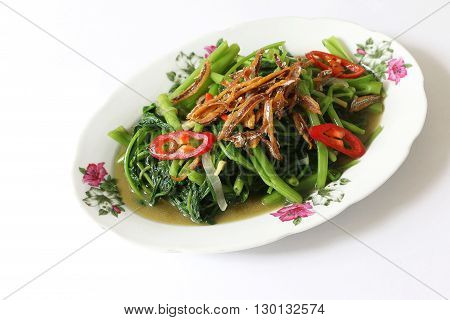 Stir fried Kangkung with fried anchovice and chili
