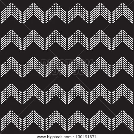 Seamless native vector pattern chevron tile in black and white background