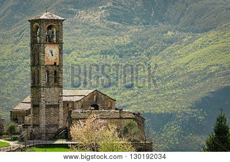 Peglio (Lago di Como) Chiesa di S. Eusebio e Vittore