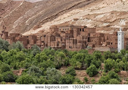 Moroccan Settlement On The Route To Ait Ben Haddou