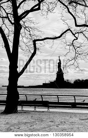 New York Statue Of Liberty Vertical Silhouette B&w