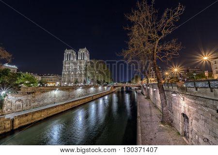 Notre Dame Paris Night View