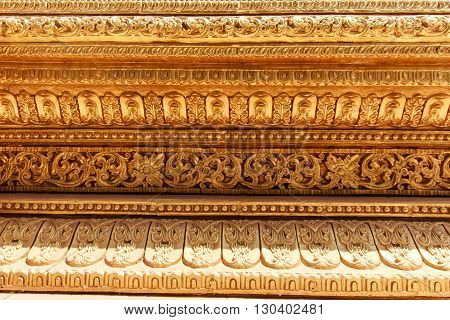 Myanmar Stucco Arts, Traditional Arts And Crafts In Shwe Maw Daw Temple.