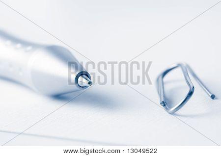 Pen And Clip Macro