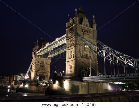 Foto de noche del Tower Bridge - Londres