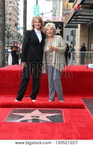 LOS ANGELES - MAY 19:  Deidre Hall, Susan Seaforth Hayes at the Deidre Hall Hollywood Walk of Fame Ceremony at Hollywood Blvd. on May 19, 2016 in Los Angeles, CA