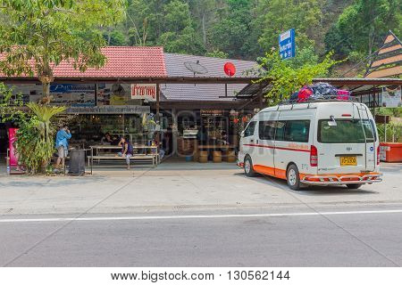 CHIANGMAI, THAILAND - 8 APRIL 2016: Prempracha company van stop at the rest area Route Mae hong son and Chiangmai