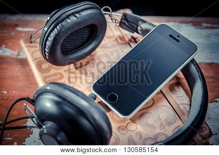 phone pad headphones music phone a technology