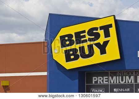 Indianapolis - Circa May 2016: Best Buy Retail Location. Best Buy sells a large array of brand-name electronics computers appliances & more I