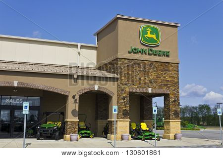 Indianapolis - Circa May 2016: John Deere Dealership. Deere manufactures agricultural construction and forestry machinery III