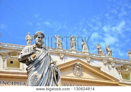 statue and Basilic of Saint Peter  in Vatican city