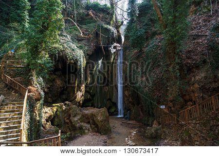 Cal Waterfall View