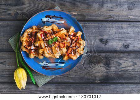 Belgian Lush Round Waffles