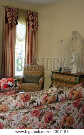 Traditional Victorian Livingroom