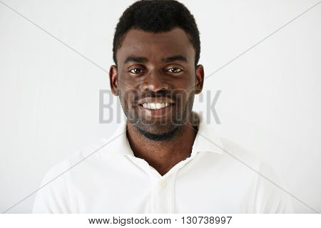 Headshot Portrait Of Handsome Young African American Man  With A Beard Wearing White Blank T-shirt L
