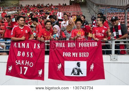 July 24, 2015 - Shah Alam, Malaysia: Fans and supporters show their support for the visiting Liverpool team in their friendly match against Malaysia. Liverpool FC from England is on an Asia tour.