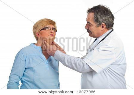 Ältere Endokrinologen mit geduldige Frau