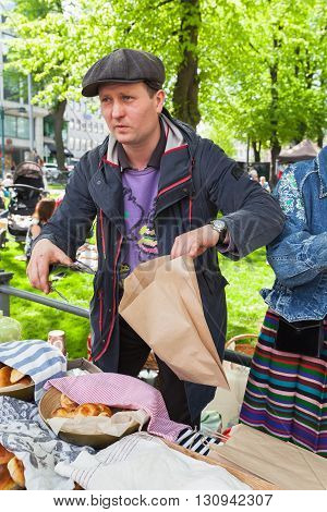 Helsinki Restaurant Day, Man Selling Pies