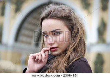 Porträt der Frau im freien
